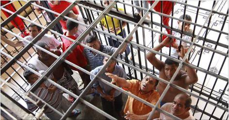 Levantamento aponta que 56% dos presos no Brasil são jovens