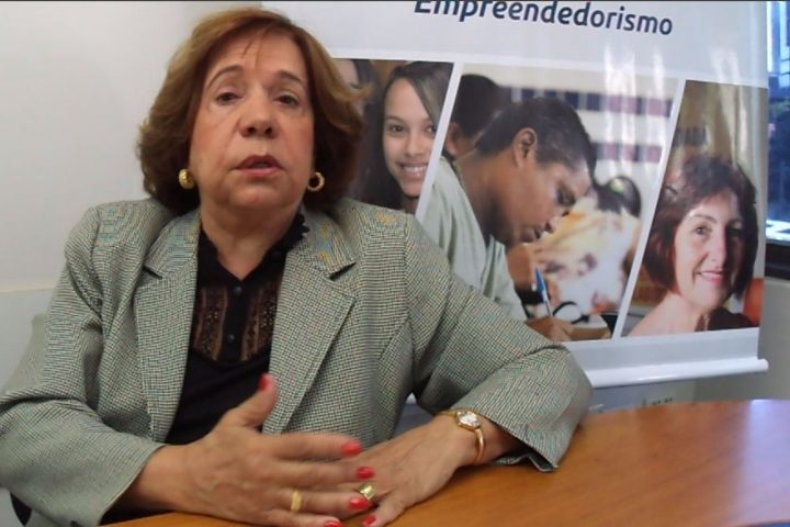 """Angela Alvarenga fala sobre """"vida e trabalho, um só valor"""""""